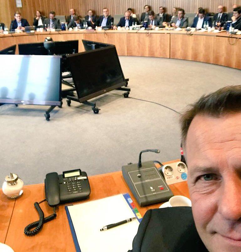 Erste Sitzung der Fraktion nach Ostern. #Immerwiederdienstags #Fraktionssitzung #fdpltfnrw pic.twitter.com/3EoPUTwCe0