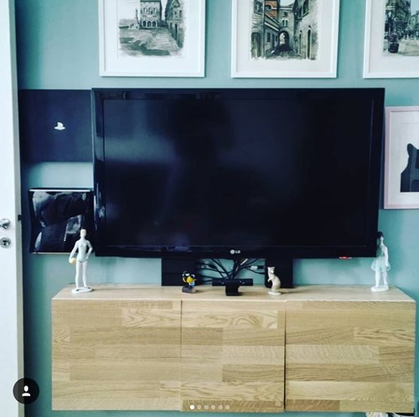 Thank you IG user Christianholzch for sharing your amazing dual setup.  #MyFloatingGrip  #PlayStation4 #XboxOne #console #gamingpic.twitter.com/ZyoII03eBd