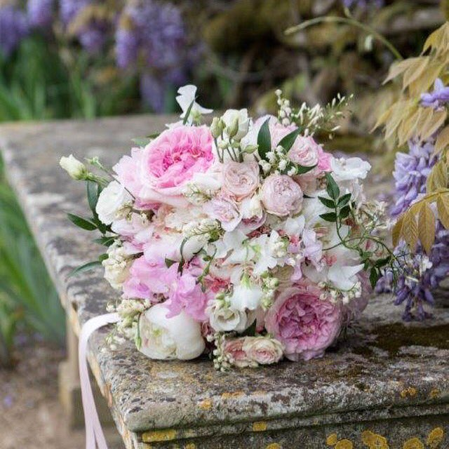 Gorgeous pastel #bouquet to spread a little colour on yet another grey day! #wedding