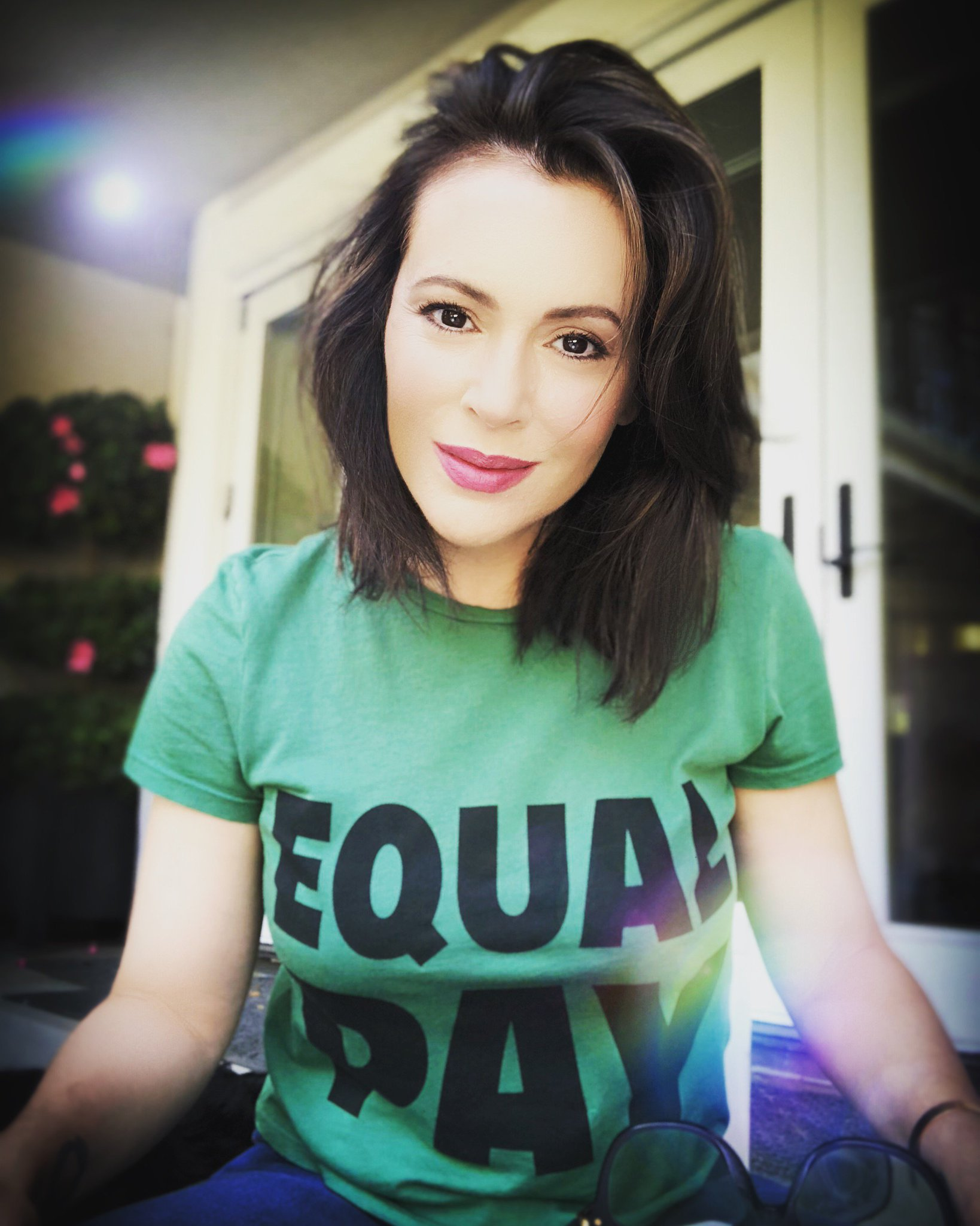 "Alyssa Milano Nua alyssa milano ar twitter: ""all women and moms deserve to be"