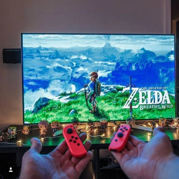 Absolutely love this setup from Instagram user; Justaordinarygamer.  Thanks for sharing your setup!  #MyFloatingGrip   #ZeldaBreathoftheWild #Nintendo #Switch #zeldanoeigamespic.twitter.com/wkJcXGIqZM