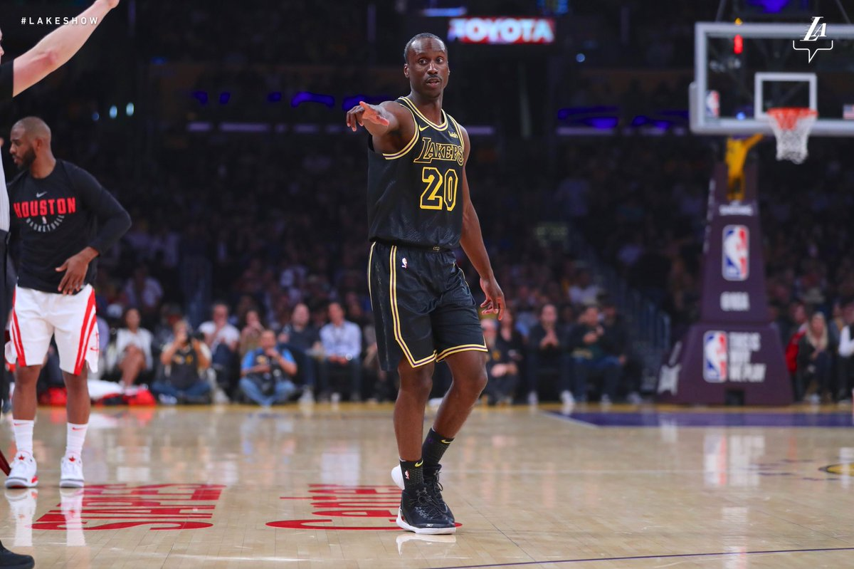 After 384 games in the @nbagleague, Andre Ingram walks onto the court for the first time as an @NBA player. At 32 years, 4 months and 23 days he is the 14th oldest rookie in league history. #SBLakers ➡️ #LakeShow