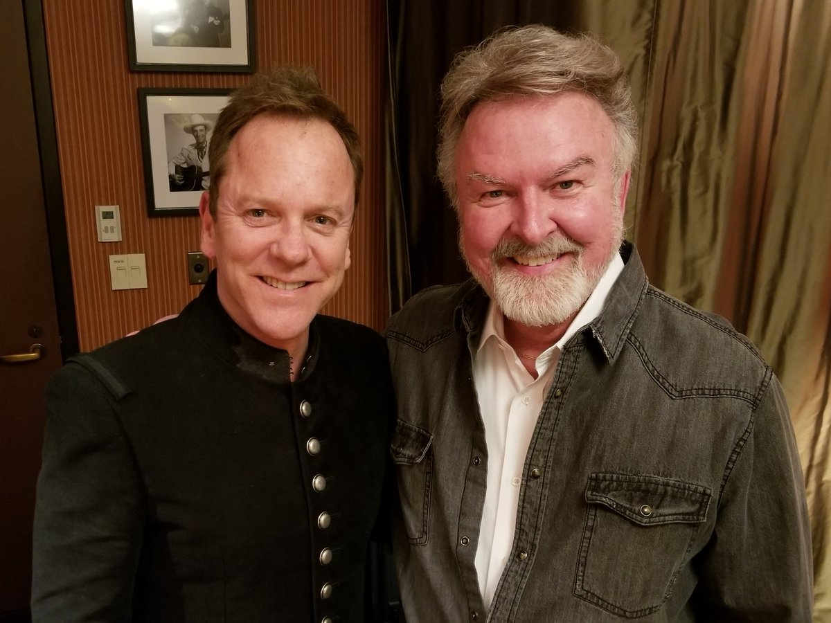 On The Grand Ole Opry I M A Fan Of His Tv Series Designated Survivor He Was Hit With Sold Out House Pic Twitter 9nderhktpk