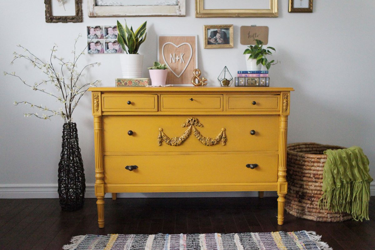 Dixie Belle Paint Company On Twitter Do You Love This Dresser Painted With Dixiebellepaint In Colonel Mustard And Dirt We