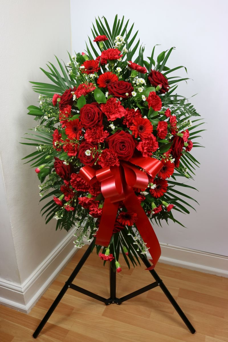 Funeral flowers on twitter beautiful spray to send your find more funeral flower arrangements at httpfuneralflowers florist uk funeralflowers sympathy condolences restinpeace inlovingmemory izmirmasajfo