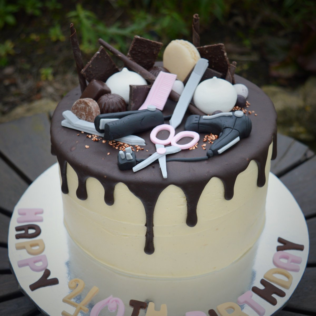 A Special Birthday Cake For Hairdresser Definitely The First Time I Ve Made Fondant Hair Straighteners Wiltshire Birthdaycake Hybirthday