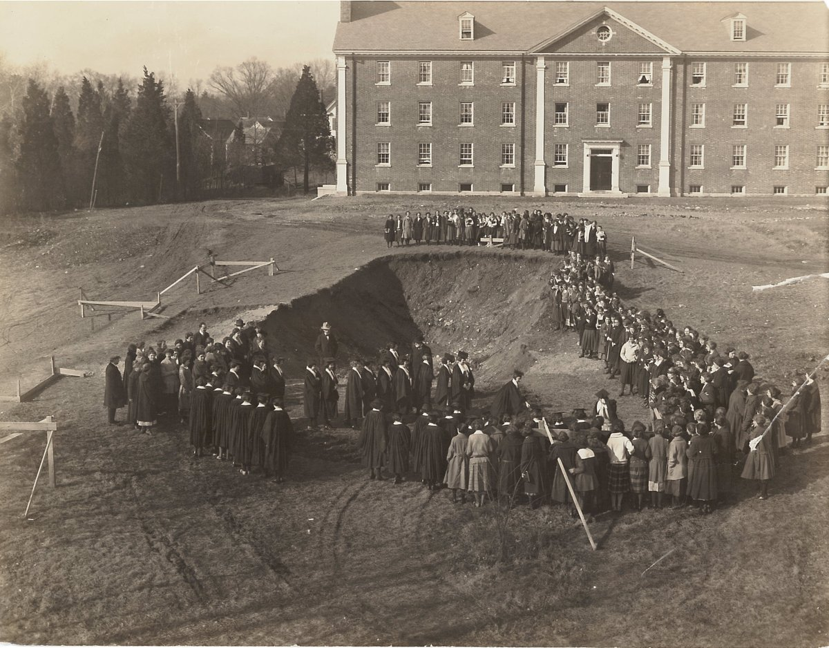 Ever since our groundbreaking in 1922 and our construction and dedication in 1923, we've been a landmark and monument on the @wheaton campus.  #NationalLibraryWeek #WheatonMAMoments https://t.co/BqMIlY1CuI