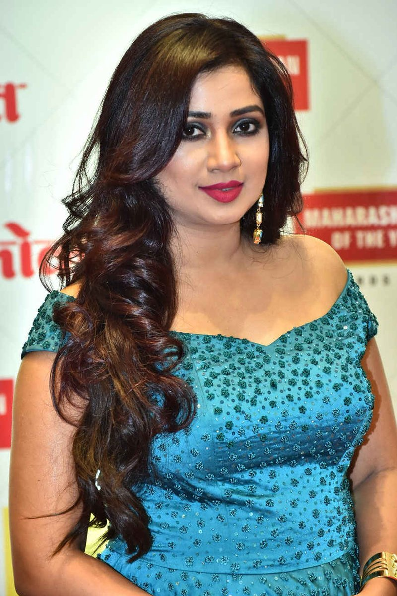 Indian singer shreya ghoshal showing hot boobs on a tv