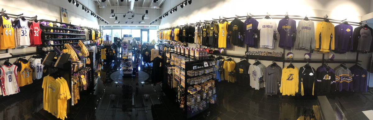premium selection 46909 44ff9 Lakers Team Shop on Twitter: