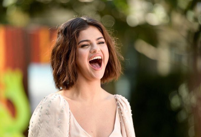 Selena gomez japan selenagomezjp twitter selena gomez voltagebd Image collections