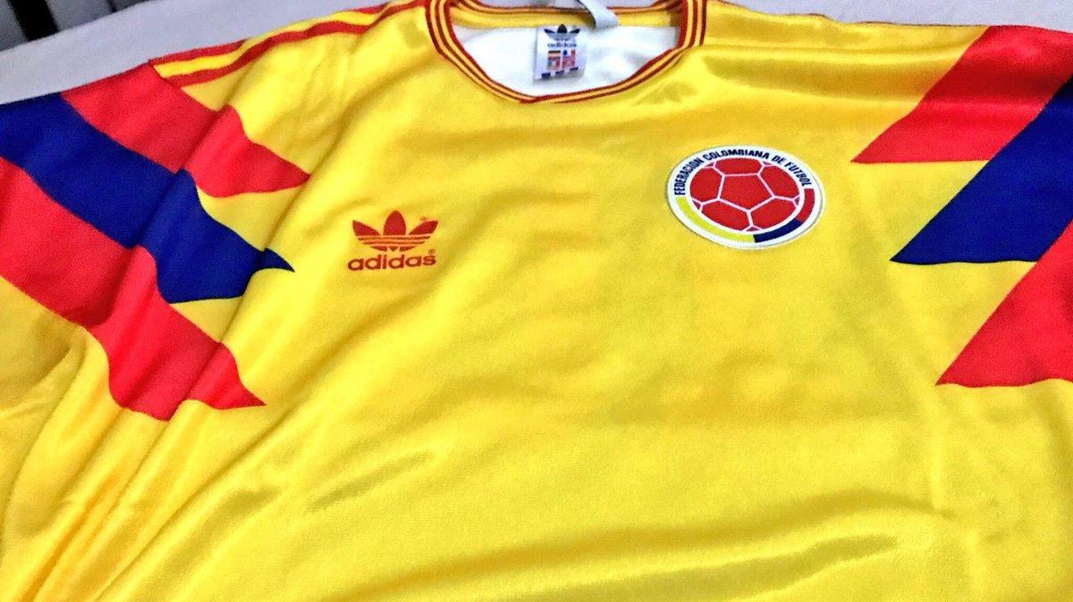 check out 0b573 4e4e6 Adidas Originals Colombia 1990pic.twitter.comon8fOjZb0W