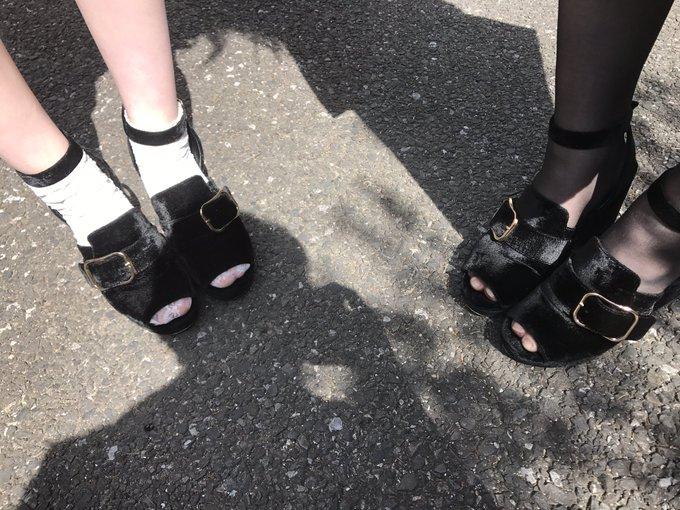 とわっちとありなちゃんが まさかの偶然同じ靴だった件。 https://t.co/bUYUCxLZ9H
