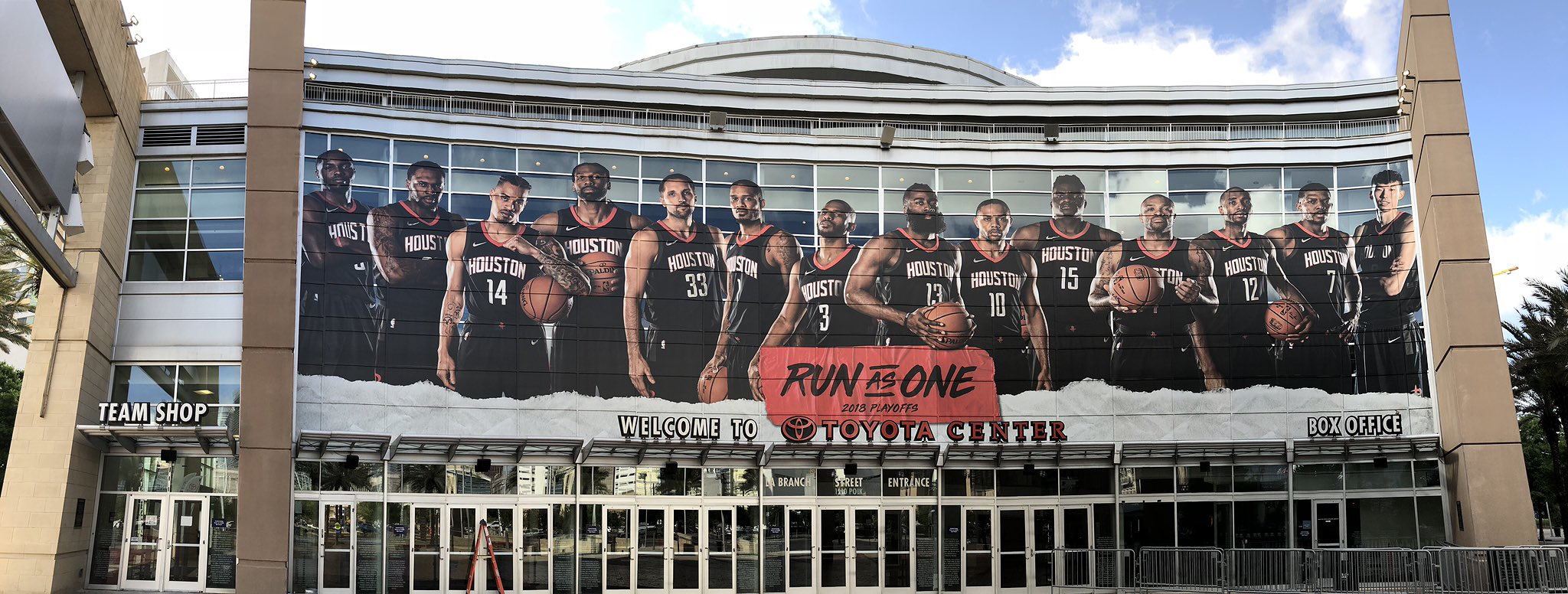 �� @ToyotaCenter is playoff ready! �� #RunAsOne https://t.co/nLqT19gSX3