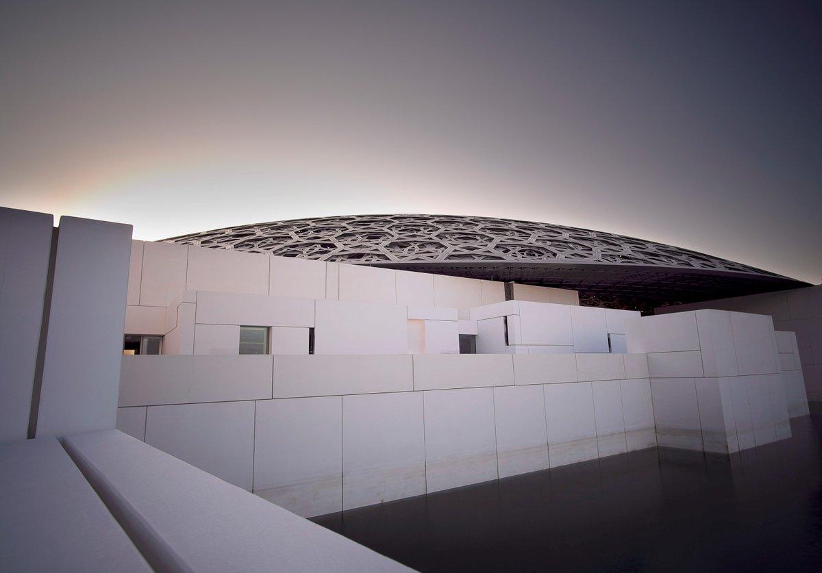 """""""Cada nueva situación requiere una nueva arquitectura"""". Jean Nouvel, arquitecto y diseñador francés, ganador de grandes premios como el Aga Khan de Arquitectura. Fotografía: Louvre Abu Dhabi, 2017, Emiratos Árabes Unidos. https://t.co/VR7GhTIc2z"""