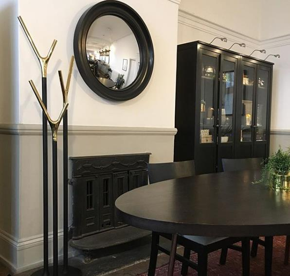 Omelo Mirrors On Twitter Convex And Round Mirrors Over A Fireplace Are A Popular Choice As An Alternative To The Traditional Overmantle Mirror Https T Co Nipzfr3olg Convexmirror Roundmirror Handcrafted Https T Co 4vjz7mvxwd