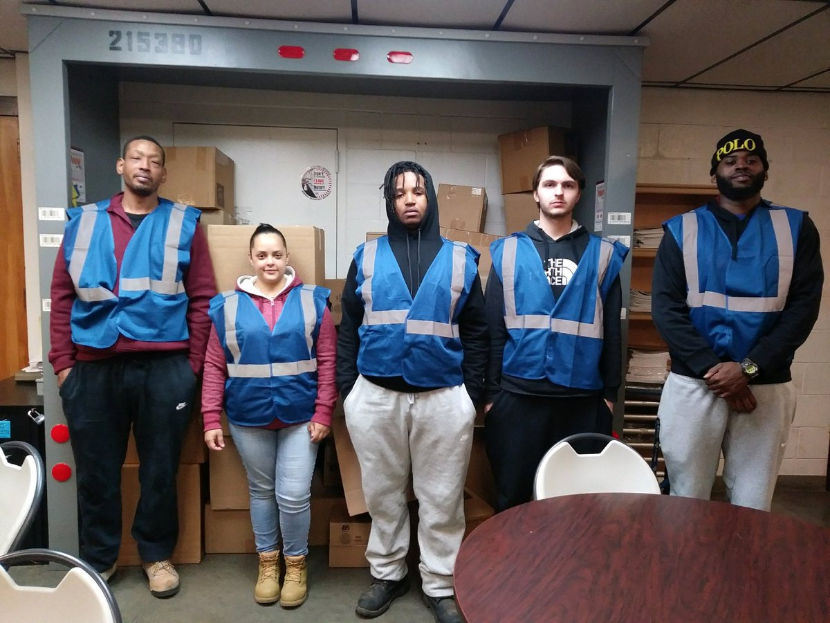 @LawnsideNight @ChesapeakUPSers Welcome the newest members of the Lawnside Night Sort. Tonight they will be on floor...make sure to stop by and say hello!#blueisnew #upsfam