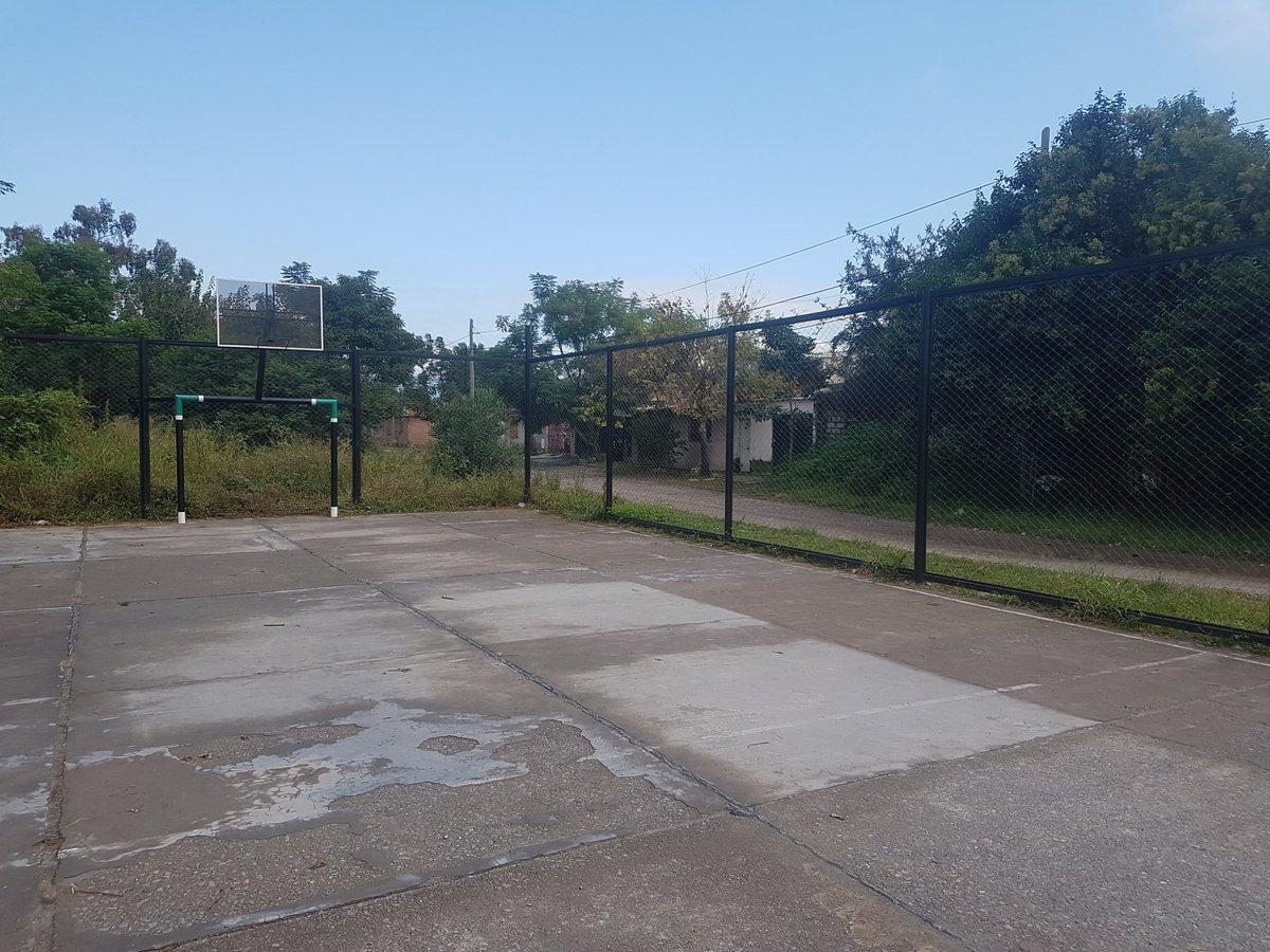Visitamos el Playón deportivo de #BarrioCeferino donde con la colaboración de #LuSal  se instalarán reflectores para mejorar la iluminación tanto del playon como así también de la calle.