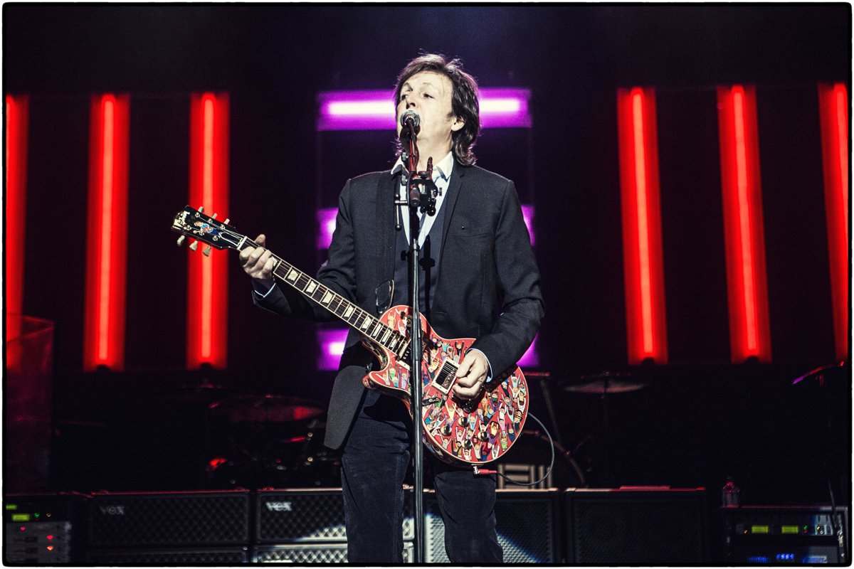 Dive into Pauls track On My Way To Work taken from his album New... paulmccartney.com/news-blogs/new….... #ThrowbackThursday #TBT   Available for the first time in limited edition colour vinyl. In stores 18th May. Pre-order NEW HERE: pmc.lnk.to/catalogue2018