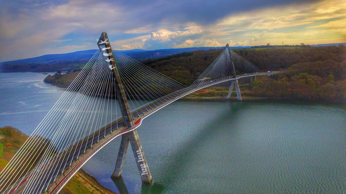 Terenez Bridge  #Bretagne #Finistere #Terenez #Pont #Bridge #bretagnetourisme #Bzh #Rosnoen<br>http://pic.twitter.com/fbIzM5zuvW