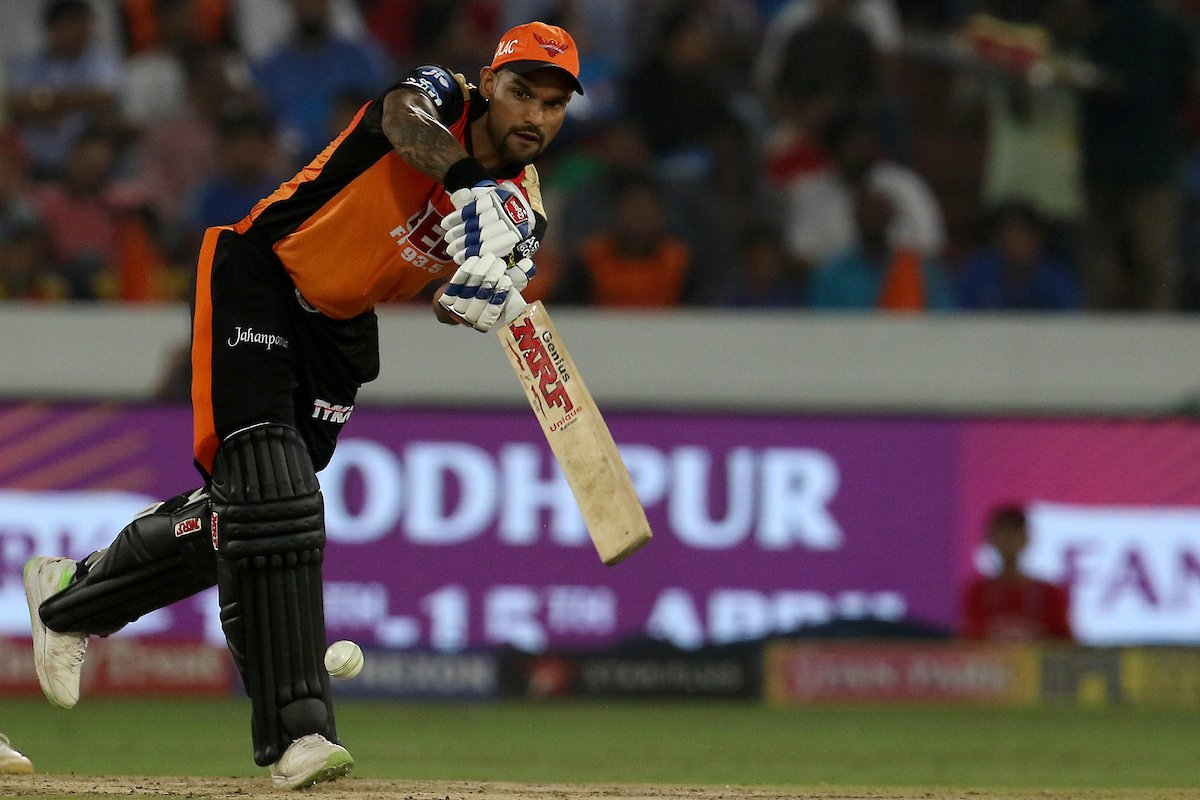 Sunrisers hold nerves to win a thriller