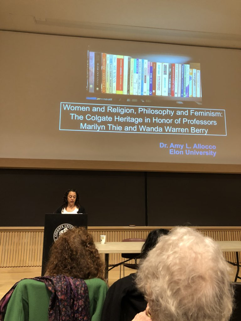 @elonuniversity prof Amy Allocco commemorates her beloved mentor, Wanda Warren Berry at @colgateuniv symposium @ElonIndia  @anya_fredsell @ElonRelS #CCiFeminism <br>http://pic.twitter.com/iqH5r9DbMT