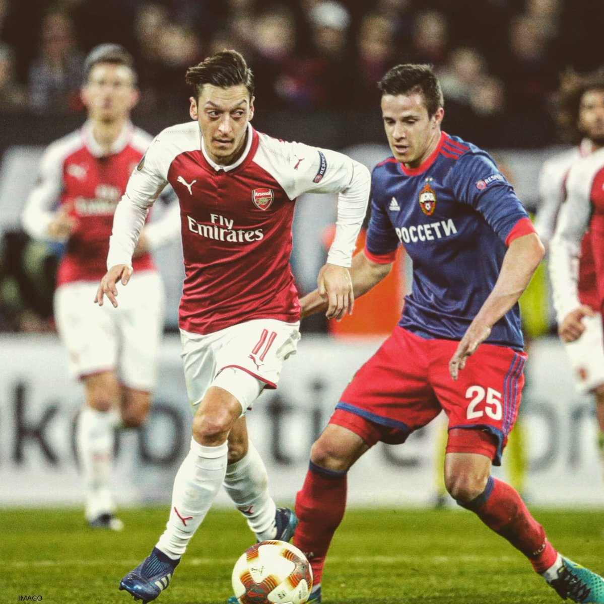 Last 4 of #UEL ✔ A performance we can't be satisfied with, but we're still in the race for the title 👍🏼 #YaGunnersYa @Arsenal