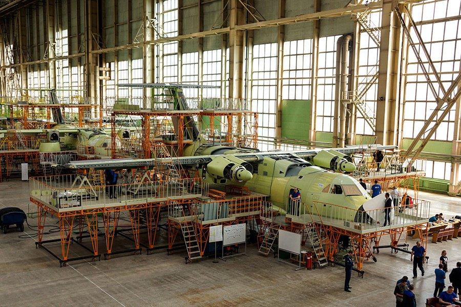 Il-112V light military transport  - Page 3 DanN8fBWsAAuj8U
