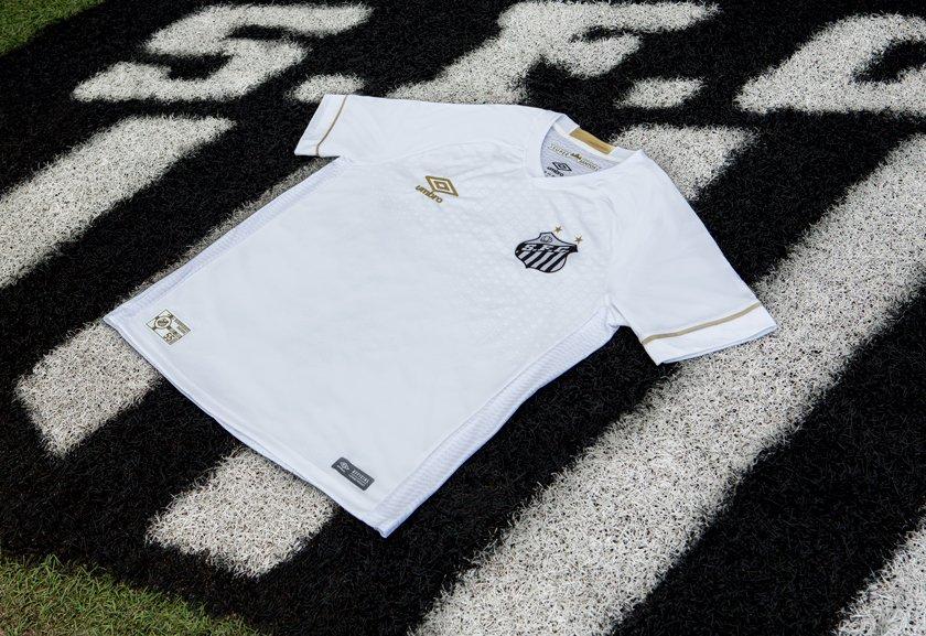 9adff11ea5b9e Conheça as novas camisas home   away do Santos Futebol Clube.   DeManchesterParaSantos NósSomosSantos. Compartilhar + Info · UmbroBrasil · Umbro  Brasil