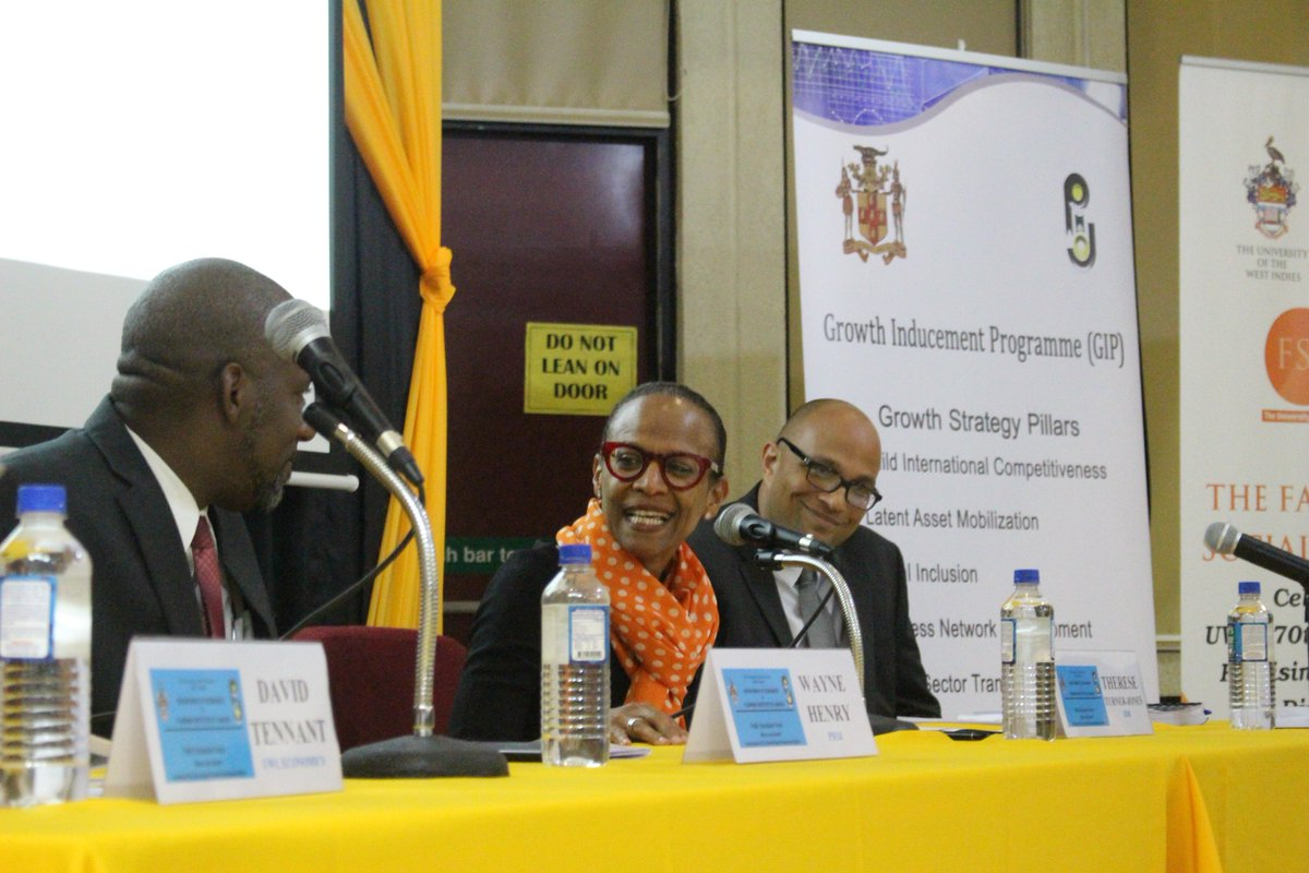 Dr. David Tennant held the attention of #UWI students during a presentation in which he said a modification of the #PIOJ Community Renewal Programme was necessary in order for it to be effective in reducing crime.<br>http://pic.twitter.com/uv09bLsDj3