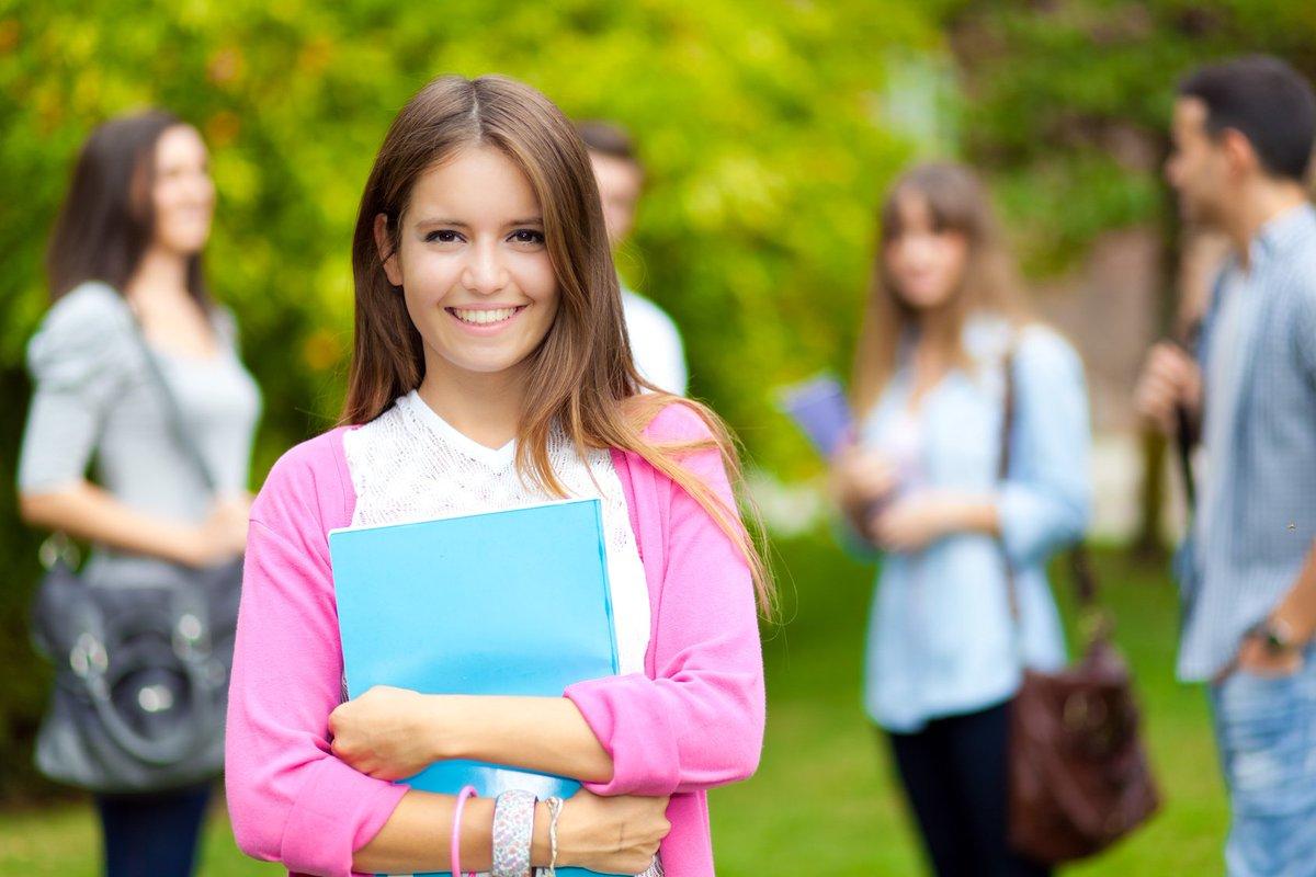 все больше студентка на факультативе смотреть год свет