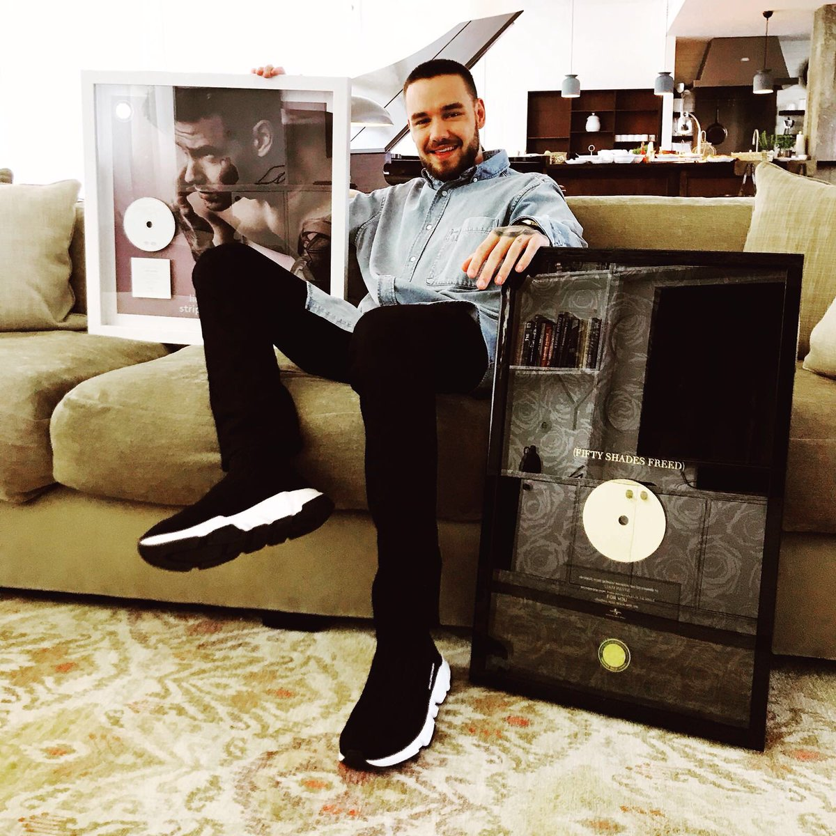 Liam celebrating #StripThatDown going PLATINUM (400,000) and #ForYou going GOLD (200,000) in Germany.  <br>http://pic.twitter.com/uhJ6VbzjHp