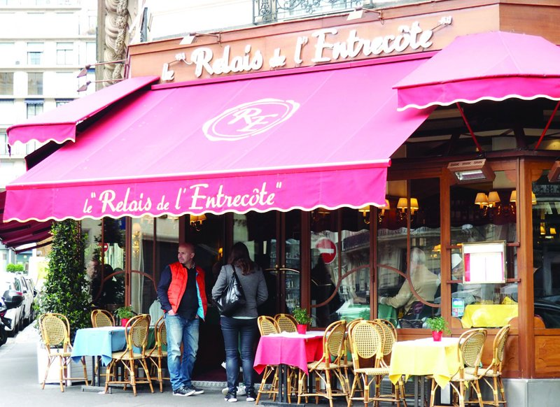 What We Are Eating Today: Off the Champs Elysées, this branch of Le Relais de L'Entrecote is a Parisian institution https://t.co/shSlRZGNjH #Paris