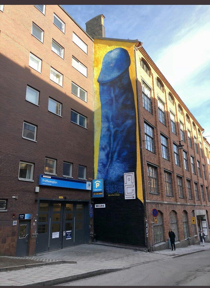 Bla jattepenis ar stockholms senaste konstverk