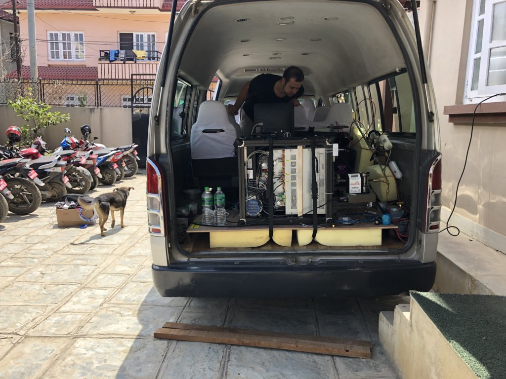 The next step: a low-cost mobile laboratory! Equipped with battery-powered mini aerosol mass spectrometer and variety of gas and particle phase instruments. #NAMaSTE3 <br>http://pic.twitter.com/m2dNSAqBj9
