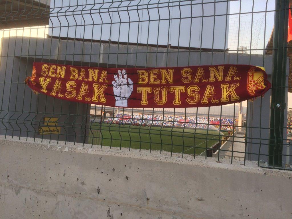 Seeeeeen Bana Yasaaaaaaaak  Beeeeeeeen Sana Tutsaaaaaak.  #Göztepe #GöztepeLife https://t.co/9m32HH1sAp