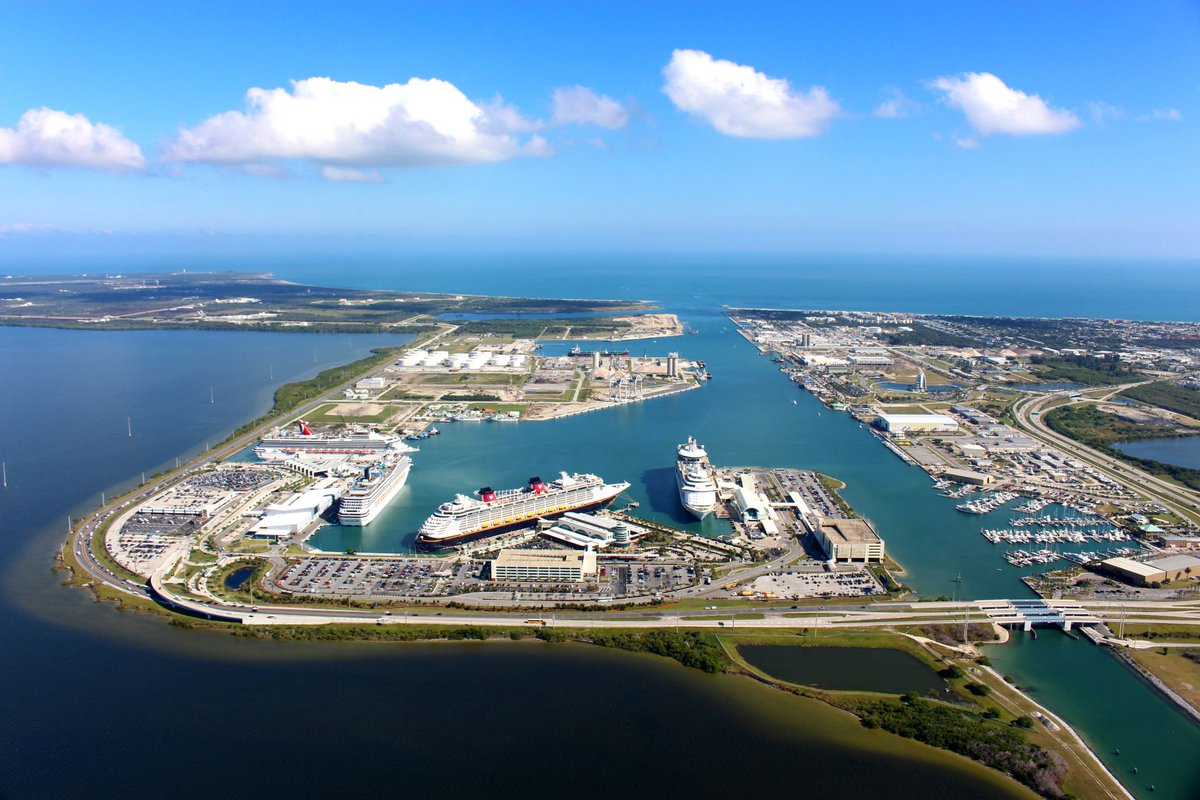 ... Jetty Park For more information and to view a list of current job  openings, click here https://www.portcanaveral.com/careers  pic.twitter.com/nR3LUuMT3J