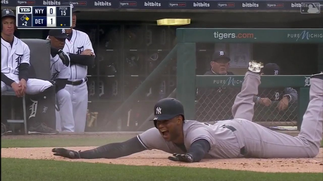 Inside-the-park homer?!?  @AaronHicks31 showing off the wheels in the Motor City. https://t.co/4ip1e9acKj