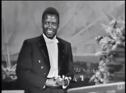 April 13, 1964: the one and only barrier-breaking icon Sidney Poitier becomes the first Black performer to win Best Actor at the #Oscars.