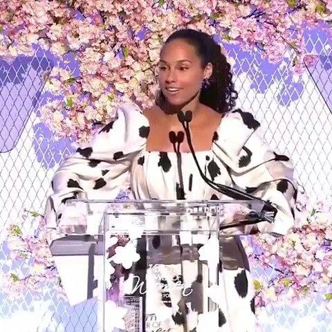 �� Queens are gonna get their Paaaaperrrrrrrr �� �� �� @variety #PowerOfWomen #equalpay https://t.co/RRlbB6qUh5