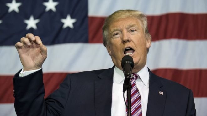 #URGENTE Donald Trump anuncia que EUA, Reino Unido e França farão ataques militares contra Síria.