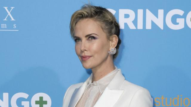 Charlize Theron: I might leave the US over the racism under Trump https://t.co/8jAYVpXy1a https://t.co/ZeA1AnN9ko