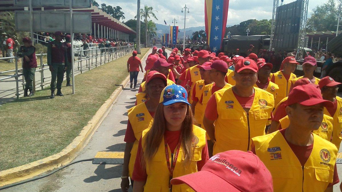 Парад Боливарианской народной милиции в Венесуэле милиции, боливарианской, членов, команданте, Боливарианской, народной, Венесуэлы, страны, Произойдет, дружинников, число, прочих, Среди, Оригинал, человек, численность, уведичить, обязали, Мадуро, Николас