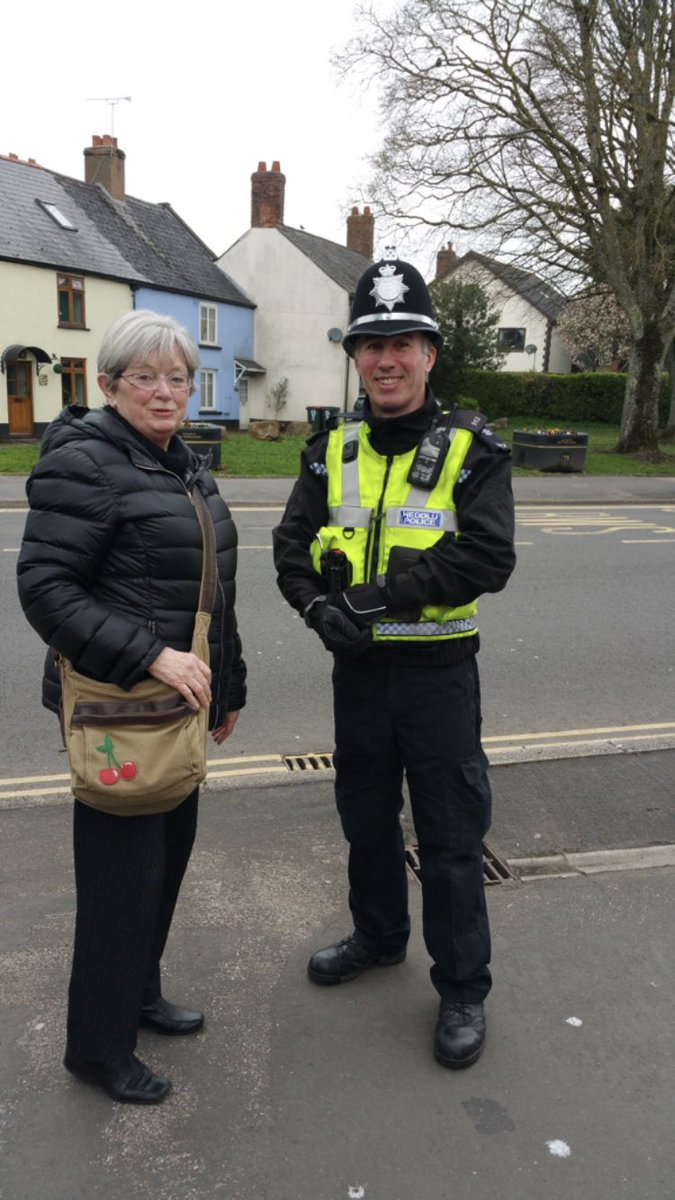 Great to see your @GWSchoolBeat officers on foot patrol in your communities throughout the school holidays. PCMorgan #NewportEast was in Caerleon yesterday #visibility @gpmaindee @gpalway @gwentpolice<br>http://pic.twitter.com/49GreywhqK