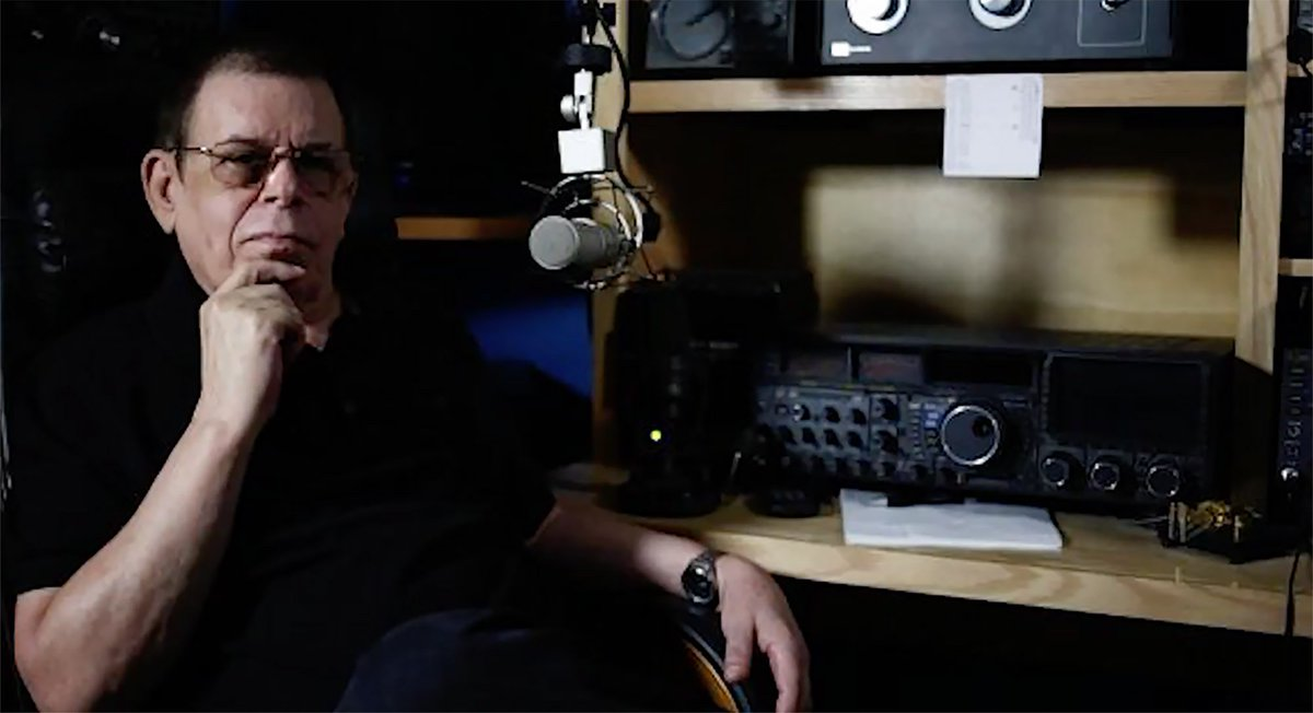 BREAKING: Longtime radio host Art Bell has died at his Pahrump home, the Nye County Sheriff's Office said https://t.co/qJSSPZxfDI