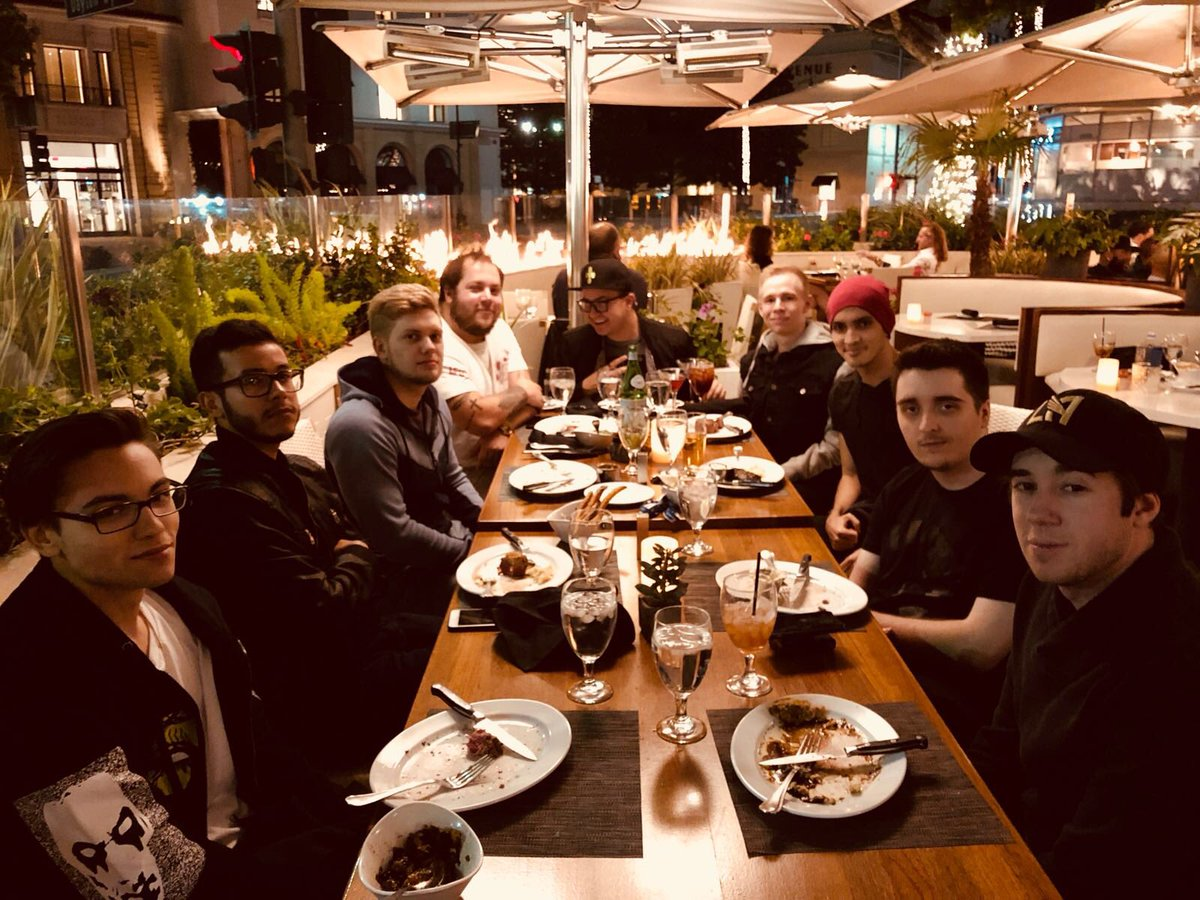 Team Liquids Tweet Team Bonding Eating Good Food Is Part Of