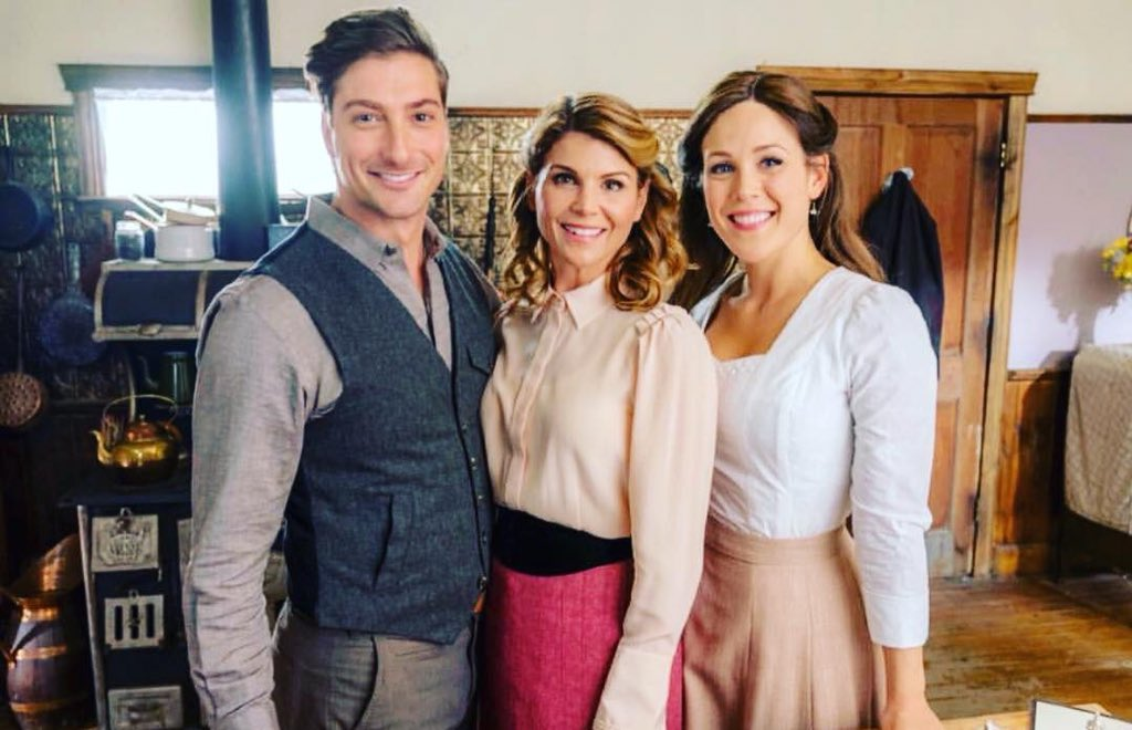 Good friends care for each other,  Close friends understand each other,  But true friends stay forever, Beyond distance...  beyond time...   @erinkrakow @LoriLoughlin @DLissing  #Hearties #WhisperOfTheHeart <br>http://pic.twitter.com/XKipqt6V5K