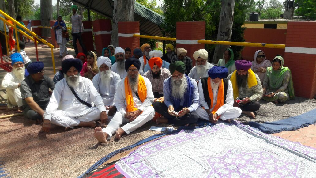 Yudhvir Rana On Twitter Sikhs Sitting On Symbolic Hunger Strike
