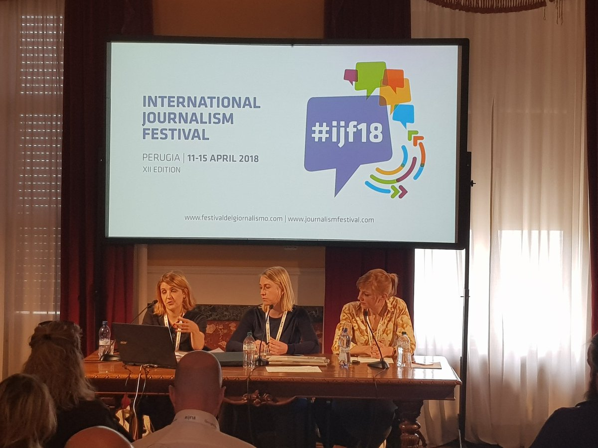 "Successfully publishing on social media: make the first seconds count, target a ""will-share-this"" audience and not only click, don't pretend to have a neutral viewpoint, place authenticity over picture quality. Takeaways from @evaschulz @JuliaRehkopf @IsabelUemmel #ijf18"