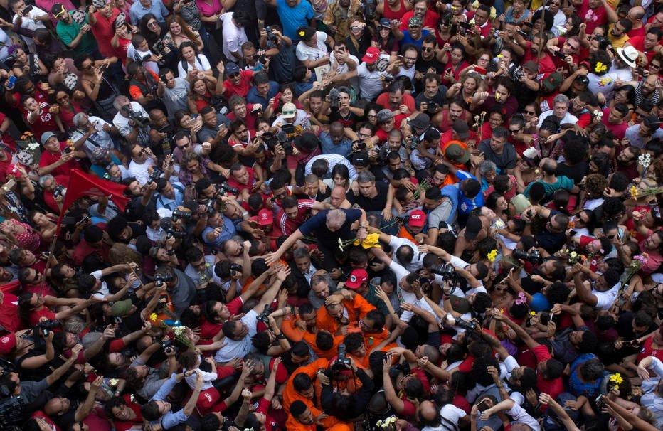 Pesquisa aponta que maioria da população vê culpa de Lula; 95% quer que Lava Jato continue https://t.co/QuRpG28jOP