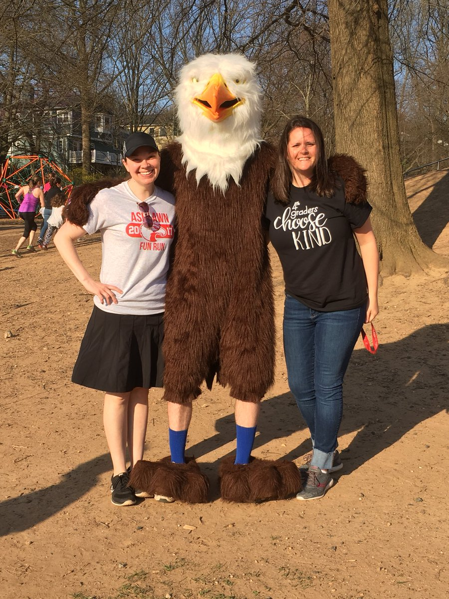 RT <a target='_blank' href='http://twitter.com/AshlawnITC'>@AshlawnITC</a>: <a target='_blank' href='http://twitter.com/Ashlawneagles'>@Ashlawneagles</a> having a great time with Ashlawn Eagle at the Ashlawn Fun Run this morning <a target='_blank' href='https://t.co/S9lltSInvT'>https://t.co/S9lltSInvT</a>